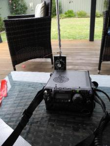 Operating position with ft817 sat on its bag and the Miracle whip connected.